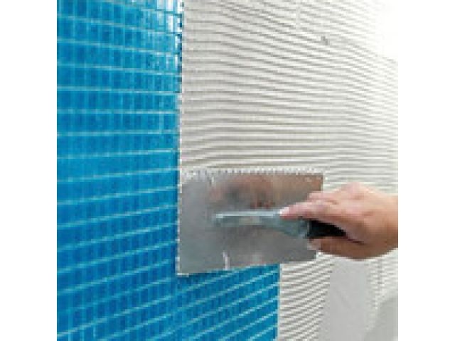 Tiling in swimming-pools